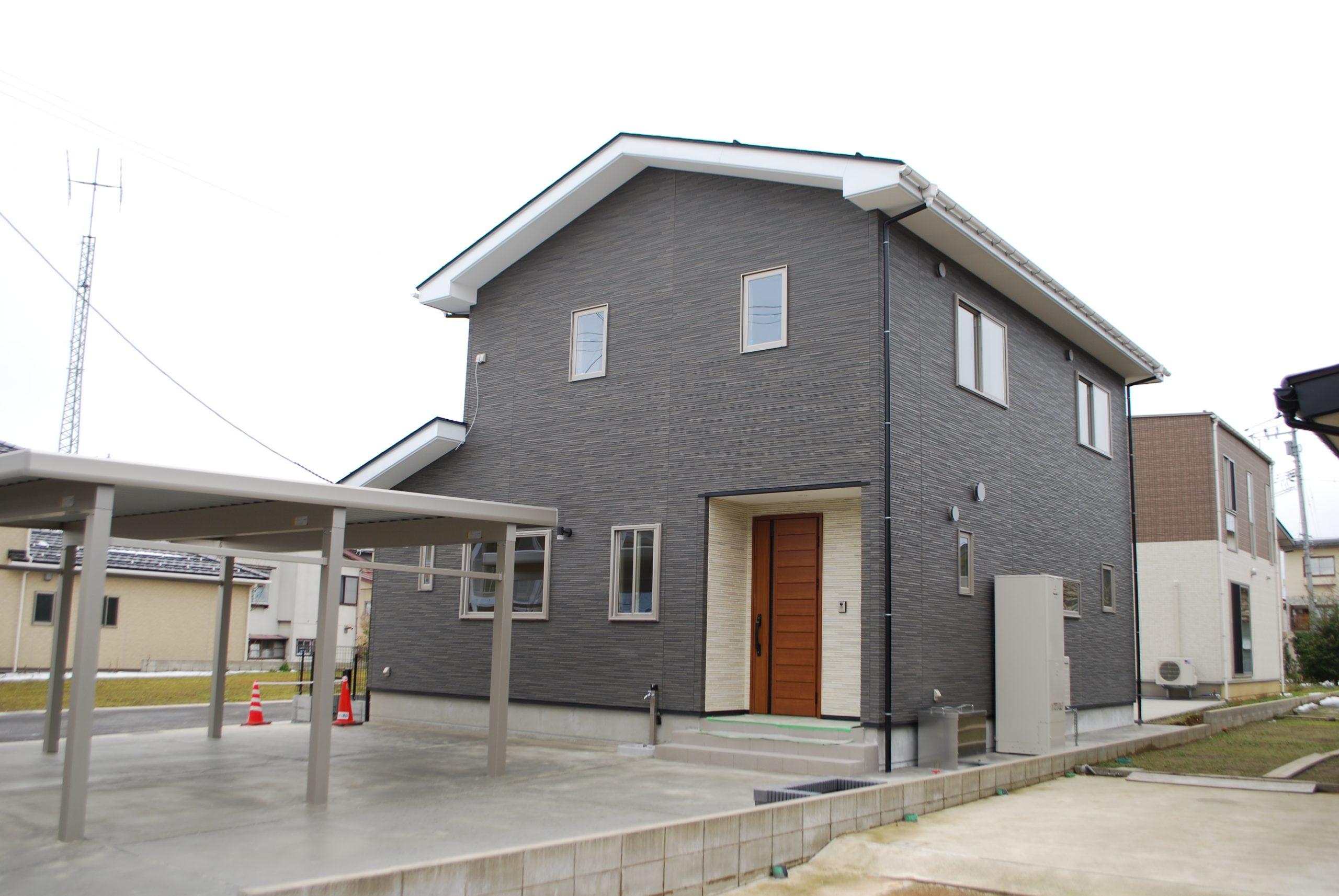 上越市東本町3丁目地内で住宅の完成見学会を開催いたします お住まいのテーマはペットと暮らす家